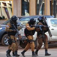 Rientrato uno dei gruppi di volontari toscani bloccati in Burkina Faso durante gli attentati