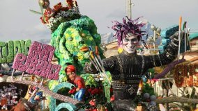 The Viareggio Life of Carnival