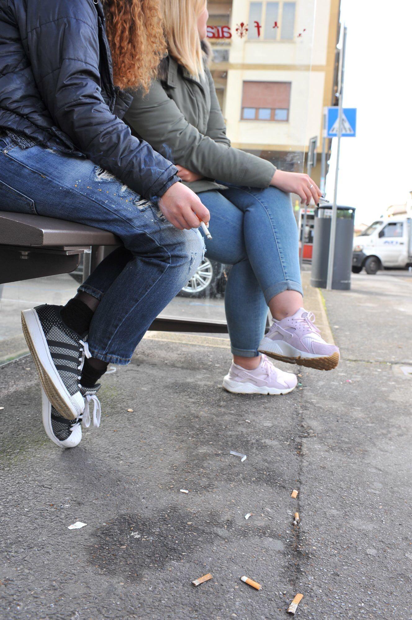 Firenze, stop ai mozziconi per terra, 30 mila posacenere portatili gratis