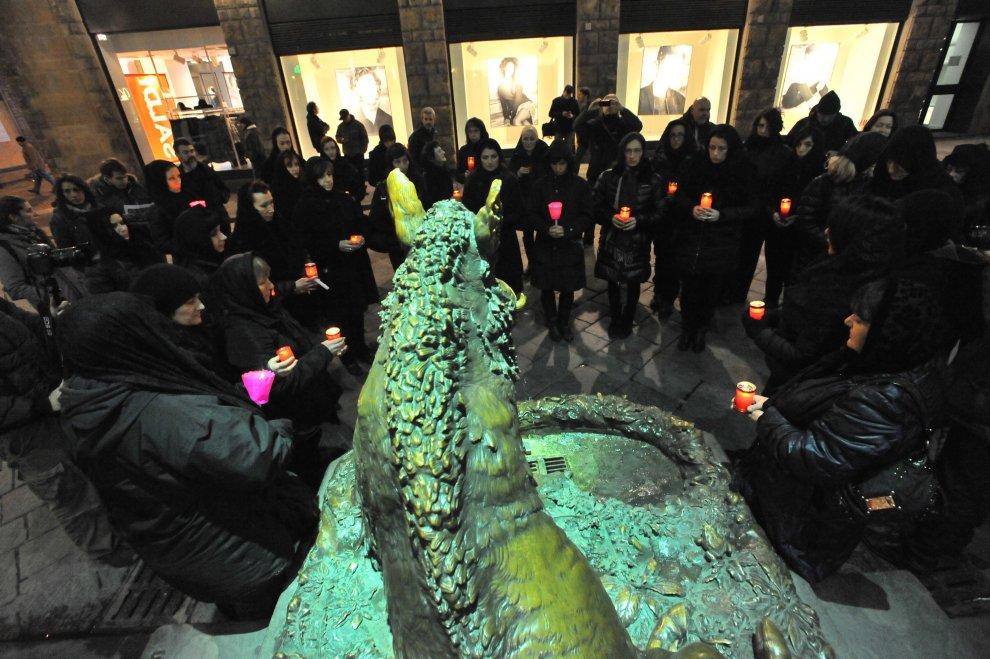 "Firenze, la veglia funebre animalista: ""Salviamo i cinghiali"""
