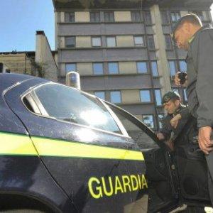 Arezzo, la finanza scopre 138 lavoratori al nero, tutti riconducibili ad un'unica società