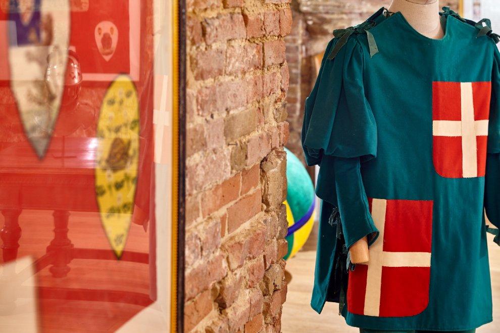 Siena, il Palio segreto: viaggio nella storia dei costumi