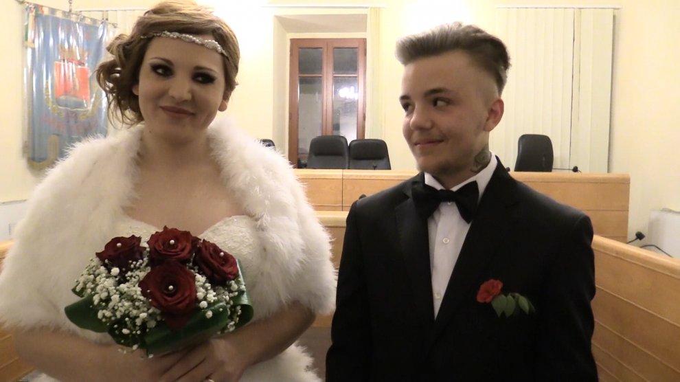 Lui diventa lei, lei diventa lui: oggi la coppia si è sposata a Orbetello