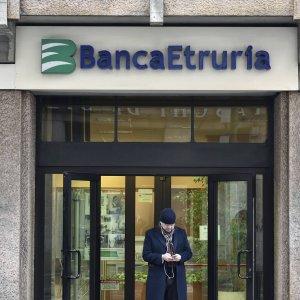 Arezzo, prima udienza: il tribunale deciderà sull'istanza di insolvenza di Banca Etruria
