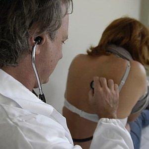 """Firenze, vaccinazioni meningite: """"Noi medici diciamo no, troppi rischi in ambulatorio"""""""