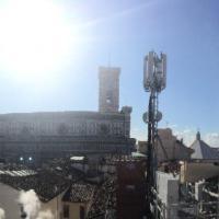 Firenze, l'antenna Wind di 8 metri che fa ombra al Duomo: è polemica