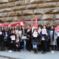 Firenze, la protesta dei lavoratori Guess contro la delocalizzazione
