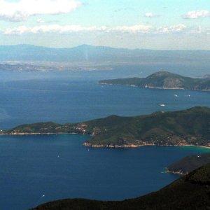 Confini marittimi Italia-Francia, cedute porzioni di mare della Toscana