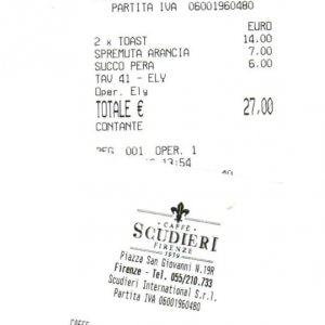 Due toast, un succo e una spremuta: 27 euro E il consigliere Pd s'infuria