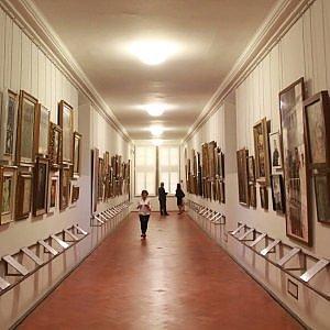 """Firenze, """"Via gli autoritratti dal Corridoio Vasariano"""""""