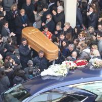Firenze, chiesa gremita per i funerali di Valentina