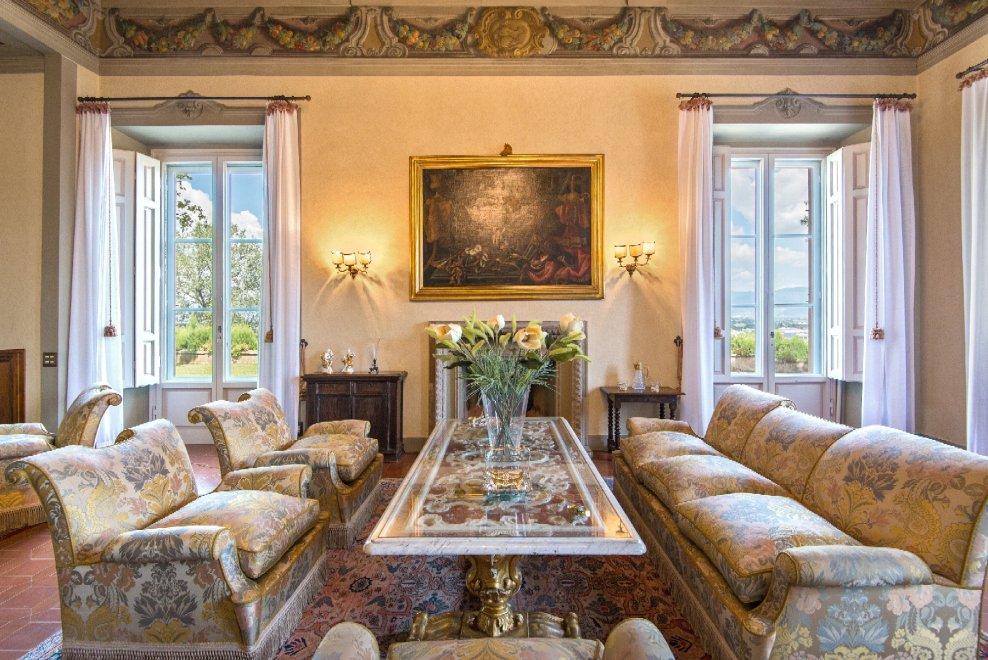 Firenze villa antinori di monte aguglioni in vendita per for Foto di appartamenti arredati