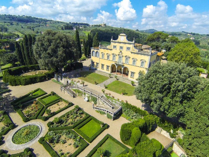 Firenze, Villa Antinori di Monte Aguglioni in vendita per oltre 20 milioni: vi abitò la famiglia di Monna Lisa