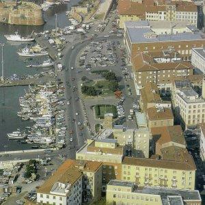 Livorno, indagato per i rifiuti anche l'assessore 5 Stelle