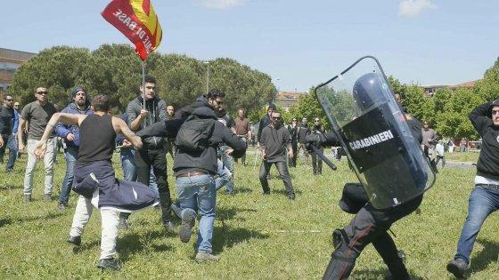 Pisa, contestazioni e scontri: antagonisti contro il governo