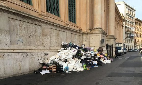 Fatture false, bilanci alterati e debiti: l'inchiesta sulla spa dei rifiuti di Livorno
