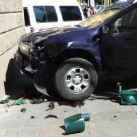 Firenze, incidente mortale sui viali: uccisa una donna, tre feriti