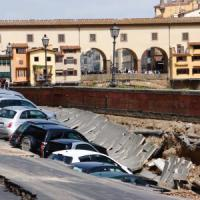 Florence road at Ponte Vecchio collapses: Lungarno Torrigiani Cracks Open
