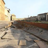 Florence, why Lungarno Torrigiani collapsed
