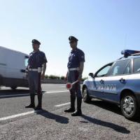 Contromano sull'Autopalio: anziana bloccata dalla polstrada