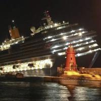 Costa Concordia: l'inchino, il processo, le vittime: fotostoria di un naufragio