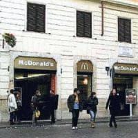 Quando in piazza di Spagna a Roma scoppiò la guerra no-hamburger