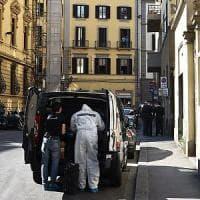 Firenze, uccise due persone a coltellate: caccia all'uomo