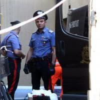 Firenze, uccide una trans e la sua amica: l'omicidio era premeditato. Ai carabinieri:...
