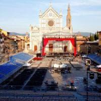 In piazza Santa Croce tutto pronto