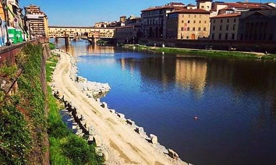 Firenze, l'idea di Nardella: passeggiata romantica sotto il lungarno crollato