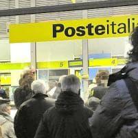 Poste, sciopero in piazza della Repubblica a Firenze