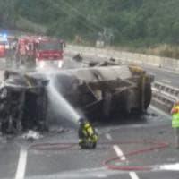 Tir incendiato, riaperta l'autostrada A1 nel tratto di Calenzano
