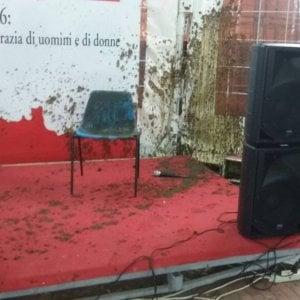 Enrico Rossi aggredito a San Miniato: un allevatore gli rovescia addosso un secchio di letame