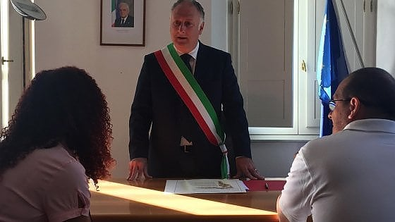 A massa carrara celebrata la prima unione civile toscana for Differenza unione civile e matrimonio