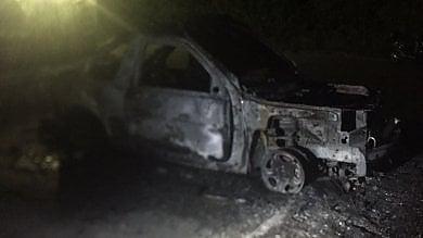 Incendiata auto dei carabinieri in congedo