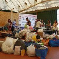 Firenze si mobilita per gli sfollati con la raccolta di cibo e coperte.
