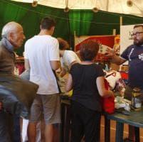 Coperte, cibo e giocattoli: la raccolta allo stadio per gli sfollati del Reatino