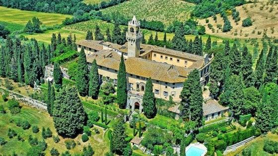 Il castello di Montegufoni, opere e sogni di libertà nella torre tra le colline