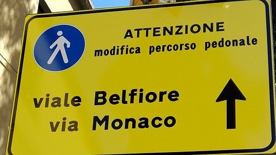Firenze, ciclisti protestano: la pista di viale Redi è chiusa