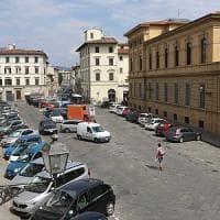 Firenze, asfalto in piazza de' Nerli: i residenti protestano ma il Comune