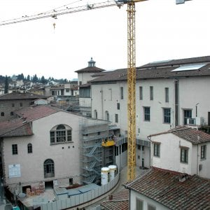 Firenze, salgono sulla gru al cantiere degli Uffizi: denunciati