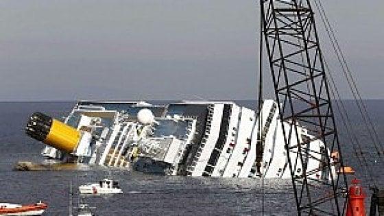 """Concordia, la rabbia dei superstiti francesi: """"Spariti i gioielli"""""""