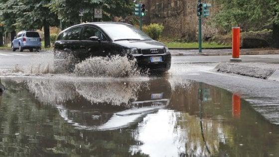Maltempo, temporali e pioggia in Toscana: allagamenti nel pistoiese e a Livorno