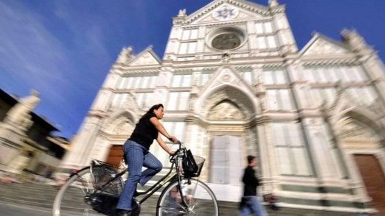 Firenze, bike sharing al palo: il no alla pubblicità blocca l'operazione