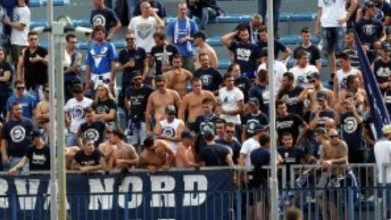 Empoli, scontri tra tifosi prima di Pisa-Brescia: tutti liberi gli otto ultrà