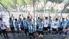 Il Pisa vince, la squadra sale in curva per salutare i tifosi fuori  foto