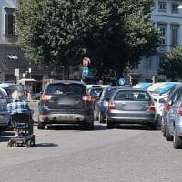 Firenze, periferie senza vigili e controlli: quattro esempi di traffico