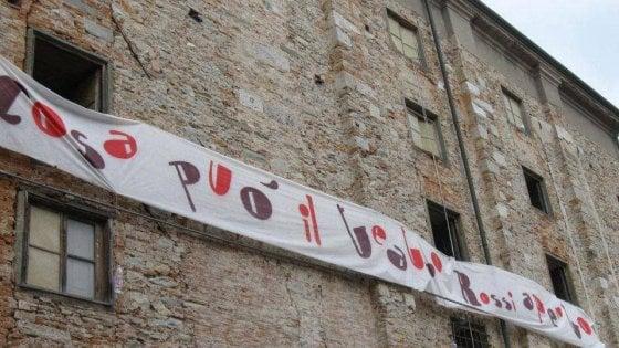 """Pisa, il Teatro Rossi Aperto, e """"clandestino"""" da 4 anni,  lancia una sfida"""
