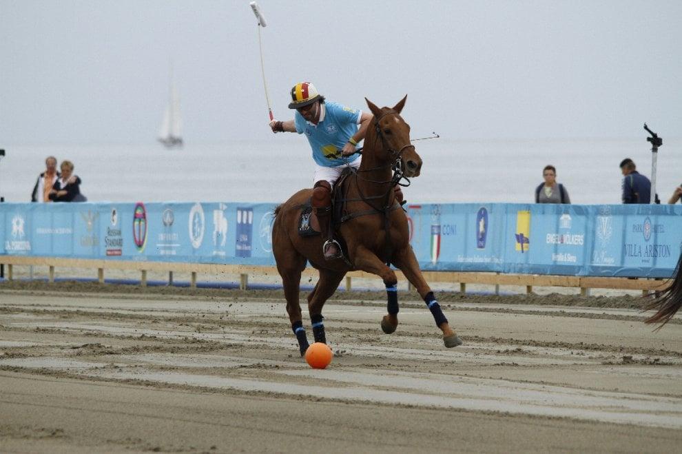 Sulla spiaggia della Versilia c'è la Polo Beach Cup