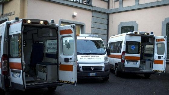 Pietrasanta, moto contro muro: muore a 21 anni